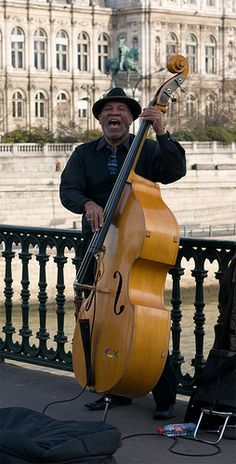 Jazz at Pont d'Arcole, Paris street music