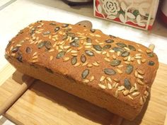Teljes kiőrlésű tökmagos házi kenyér Salty Foods, Vegan Bread, How To Make Bread, Baked Goods, Banana Bread, Clean Eating, Goodies, Biscotti, Food And Drink