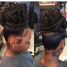 #Flashback to this pretty bun by @crazy_handz ❤️ | #voiceofhair #phillystylist #topknot #fbf #weddinghair ========================== Go to VoiceOfHair.com ========================= Find hairstyles and hair tips! =========================