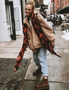Fuzzy wooly oversized fall jacket streetstyle baggy mom jeans red plaid scarf streetwear fall lace up boots