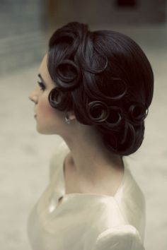 i could not let this post go <3....vintage is the bomb...i wish someone could do mine like this!!!!