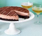 Fryst nougattårta på nötig browniebotten