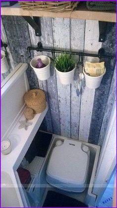 Washroom in trailer (Camping Hacks) (Diy Bathroom Renovation) Caravan Makeover, Rv Makeover, Camper Bathroom, Travel Trailer Remodel, Travel Trailers, Camper Hacks, Caravan Hacks, Caravan Decor, Popup Camper