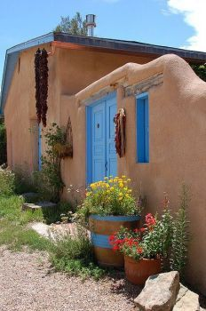 Adobe house in Taos,NM. (35 pieces)
