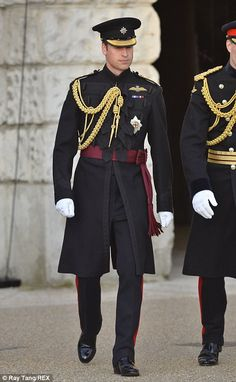 The Duke of Cambridge in the uniform of the Irish Guards, of which he is a Royal Colonel, at Beating Retreat which took place at Horse Guards in Whitehall, London, UK - June 2014 William Kate, Prince William And Catherine, George Of Cambridge, Duchess Of Cambridge, Baby Prince, Royal Prince, Harrods, Principe William Y Kate, Prinz William