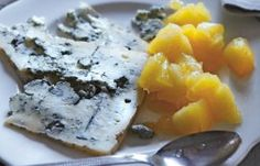 Jose Pizarro – Blue cheese with two apple compotes