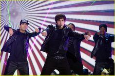 Austin Mahone HALO Awards Performance