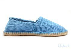 Haak je eigen espadrilles! Kies jouw kleur en je haakt zo een espadrille verkrijgbaar als haakpakket; garen + patroon Wolplein.nl