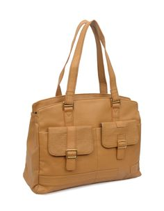 Make a style statement effortlessly with this simply shoulderbag from Baggit.