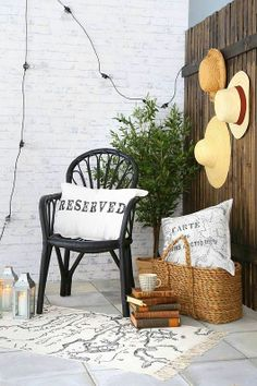 #outdoor #decor #garden #terase #balcony #outdoordining #dining #table #colors #stripes #flowers #diybazaar #relax #lazy  #flowers #pillows