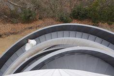 Ribbon Chapel (ベラビスタ境ガ浜)by Hiroshi Nakamura & NAP  http://www.nakam.info/en/?id=30  / http://www.designboom.com/architecture/hiroshi-nakamura-nap-ribbon-chapel-spiral-hiroshima-japan-01-28-2015/