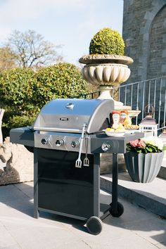 Omaha 3 Burner Gas Barbecue With Side Burner : This Omaha BBQ with contemporary styling delivers good cooking results. The BBQ has 3 high quality main burners and a side burner, thermom Outdoor Living, Outdoor Decor, Hello Summer, Halloween 2019, Contemporary Style, Barbecue, Grilling, Cooking, Garden