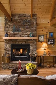 Photos of a modified Oakbrook plan D Log home designed & milled by Honest Abe Log Homes; family owned/operated since nationwide sales & delivery. Feng Shui, Tennessee, Cabin Fireplace, Fireplace Ideas, Log Cabin Homes, Log Cabins, How To Build A Log Cabin, Log Cabin Designs, Cabin In The Woods