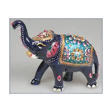 Resultado de imagen para elefantes pintados Thai Elephant, Indian Elephant, Elephant Love, Elephant Design, Baby Elephants, Ceramic Painting, Ceramic Art, Elephant Parade, Camping With Kids