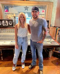 Jason Aldean, Country Artists, Cute Celebrities, Celebrity Outfits, Carrie Underwood, Country Music, Role Models, Carry On, Hipster