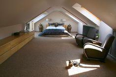 idées chambre sous les combles avec plafonds et murs de même couleur