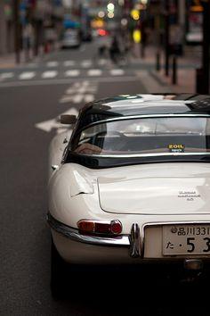 Jaguar E-Type                                                       …