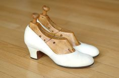 vintage 1940s shoes / 40s white suede babydoll by honeytalkvintage, $85.00