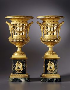A PAIR OF LARGE SIZED ST. PETERSBURG EMPIRE VASES ATTRIBUTED TO FRIEDRICH BERGENFELDT, SAINT PETERSBURG, DATE CIRCA 1805.