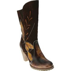 This boot combines the rugged west with the sophisticated city with its leather toe and heel to the wonderfully soft suede shaft featuring stitch work and leather applique leaf patterns.