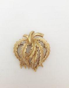 Gold Tone Vintage Flower Brooch Signed Monet Textured Leaves | Etsy