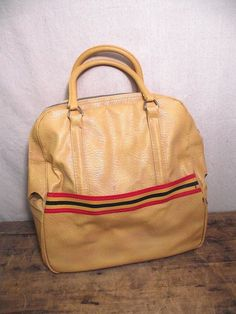 Vintage Amelia Earhart travel bag luggage with lock, apricot color
