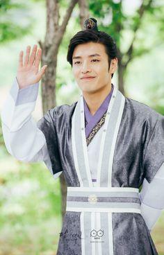 Wang Wook portrayed by Kang Ha Neul Handsome Prince, Handsome Boys, Korean Celebrities, Korean Actors, Korean Dramas, Celebs, Kang Ha Neul Moon Lovers, Scarlet Heart Ryeo Wallpaper, Kang Haneul