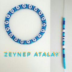 Zeynepatalay Kumboncuk Wristband Six - Diy Crafts Crochet Beaded Bracelets, Bead Crochet Rope, Beaded Bracelet Patterns, Seed Bead Bracelets, Beading Patterns, Loom Beading, Diamond Bracelets, Seed Beads, Bangles