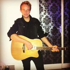 Book our male vocalist for your corporate event in London & the UK.