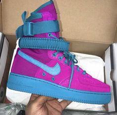 Cute Sneakers, Shoes Sneakers, Zapatillas Nike Jordan, Sneakers Fashion, Fashion Shoes, Shoe Wardrobe, Shoe Closet, Custom Made Shoes, Baskets