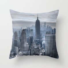 New York skyscrapers Throw Pillow