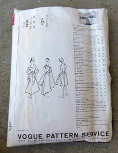 Vintage 1960s Vogue Paris Original Evening Dress Pattern 1319, Patou (back of envelope)
