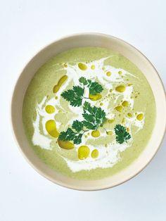 クリーミーなスープは、疲れた胃腸にやさしく染みわたる滋養のスープ。生クリームとオリーブオイルをトッピングすれば、味の変化やコクをより感じられる。 レシピはこちら