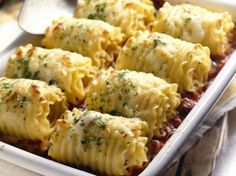 Chicken and cheese lasagna rollups
