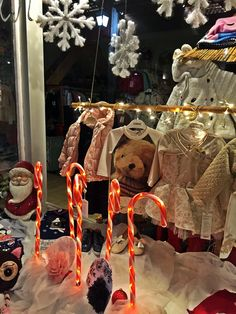 Lovely Christmas shop window decoration #decoration #ChristmasSpirit #ChristmasInLjubljana #windowDecoration #LjubljanaDecember #DecemberInLjubljana