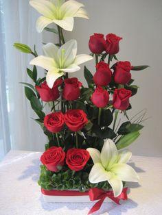 Valentine Flower Arrangements, Creative Flower Arrangements, Rose Arrangements, Valentines Flowers, Beautiful Flower Arrangements, Beautiful Flowers, Luxury Flowers, Exotic Flowers, Contemporary Flower Arrangements