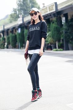 Womens Fashion Casual Summer, Office Fashion Women, Curvy Women Fashion, Womens Fashion For Work, Karen Walker, Casual Chic Style, Comfy Casual, Sport Casual, Babe