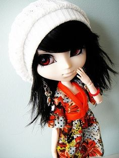 Pullip doll--- I like her clothes