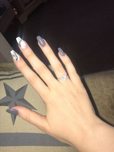 Grey coffin marble nails