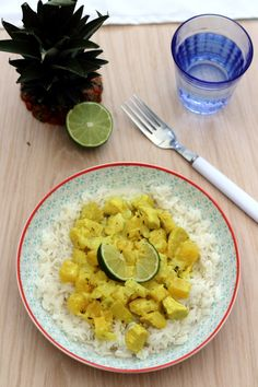 Chicken curry with coconut milk and pineapple - chicken Poulet Curry Coco, Coconut Milk Curry, Pineapple Chicken, Winter Food, Bon Appetit, Risotto, Brunch, Healthy Recipes, Diet