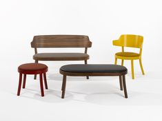 The seley family (design: Frédéric Dedelley, 2019) manufactured by horgenglarus, comprises an armchair, a bench and two stools. All of them can stand on their own or be combined to form a lounge or a comfortable waiting or reception seating area. Perfect for small rooms or for situations where a seating group should not take up much space. Bentwood Chairs, Dining Chairs, Sitting Positions, Reception Seating, Waiting Area, Small Rooms, Seat Cushions, Solid Wood, Armchair