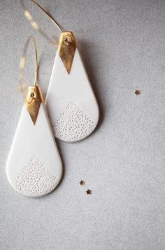 Iwaki, porcelain and gold earrings. Iwaki are modern . - Iwaki, porcelain and gold earrings. Iwaki are modern and minimalist earrings - Luxury Jewelry, Diy Jewelry, Jewelry Gifts, Handmade Jewelry, Jewelry Making, Jewellery Box, Jewellery Shops, Modern Jewelry, Jewelry Findings