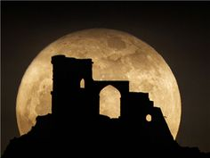 May 2012, Photographer Peter J. Bailey's shot of the supermoon was taken in England between the towns of Congleton and Stoke on Trent.