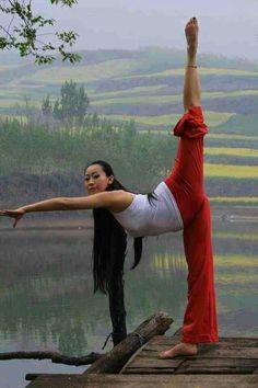 Yoga art photography kung fu 39 New Ideas Chinese Martial Arts, Martial Arts Women, Mixed Martial Arts, Tai Chi, Female Martial Artists, Female Art, Taekwondo, Arte Filipino, Karate