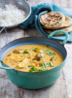 Curry d'aubergines au lait de coco Veggie Recipes, Indian Food Recipes, Asian Recipes, Vegetarian Recipes, Healthy Recipes, Ethnic Recipes, Curry D'aubergine, Coco Curry, Eggplant Curry