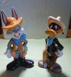 VTG Salt Pepper Shakers SP Bugs Bunny Daffy Duck Cowboy Hat Warner Bros Disney