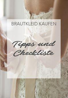 Das Brautkleid ist für jede Frau – neben dem Bräutigam – oft das Wichtigste bei der Hochzeit. Die Auswahl auf dem Markt ist groß, die Entscheidung schwierig. Unsere Tipps und die Checkliste zum Brautkleid kaufen helfen bei der Suche. #hochzeit #heiraten #wedding #weddings #love #brautkleid #brautkleider #weddingdress #inspiration #checkliste #shopping #planung