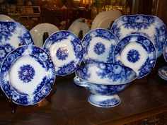 musings of a sea witch: Feeling the Blues of Flow Blue. Flow Blue China, Blue And White China, Love Blue, Blue Dishes, White Dishes, Fancy Dishes, Vintage Dishes, Vintage China, Vintage Glassware