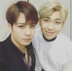 I don't usually like selfies, but who can resist these two handsome personalities ♡