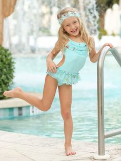 Little Girl Swimsuits, Girls One Piece Swimsuit, Unique Swimsuits, Two Piece Swimsuits, Beautiful Little Girls, Cute Little Girls, Cute Young Girl, Ruffle Swimsuit, Teen Girl Outfits